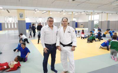 Gens de l'Usep : Thierry Dambrine déroule le tatami pour les scolaires