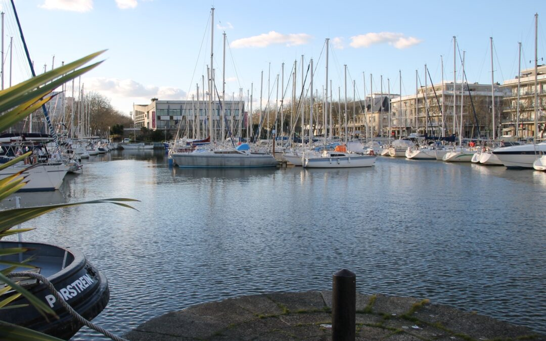 À Lorient, une assemblée générale pour affronter ensemble le gros temps